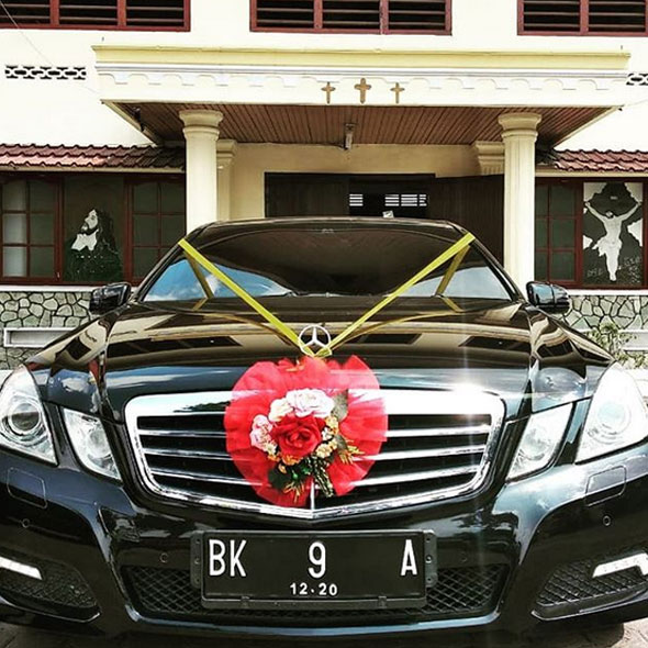 Sewa Mobil Mobil Wedding Mercedes Benz