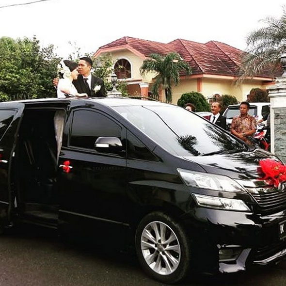 Sewa Mobil Wedding Car
